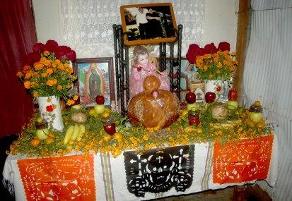 Altar de muertos. San Jerónimo Tlacochahuaya.